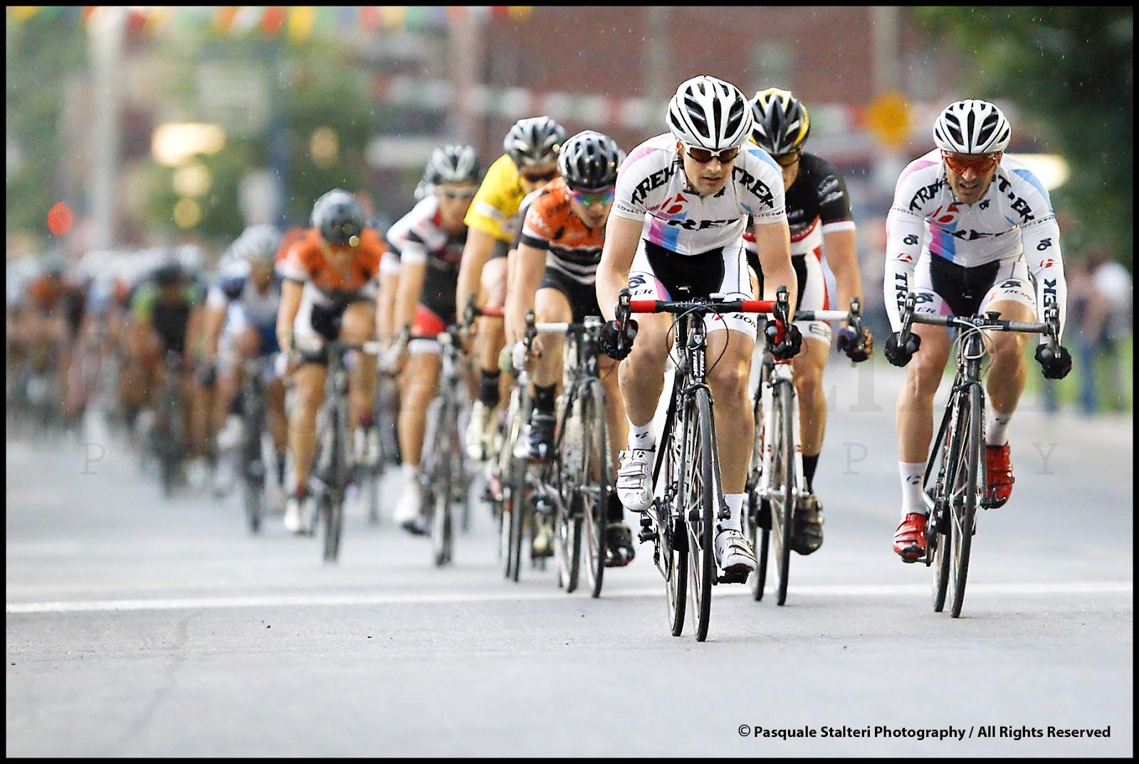 Hugo houle remporte la 1 re tape des mardis cyclistes for Miroir du cyclisme