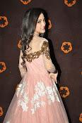 Kanika Kapoor glamorous photos-thumbnail-20