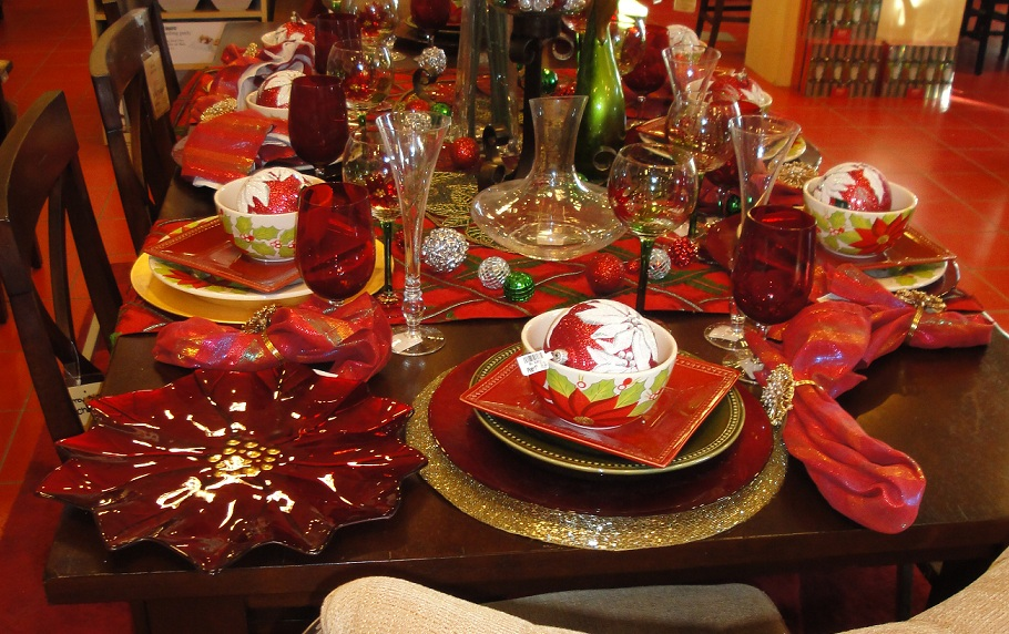 Dining table christmas dining table decorations for Christmas decorations for the dinner table