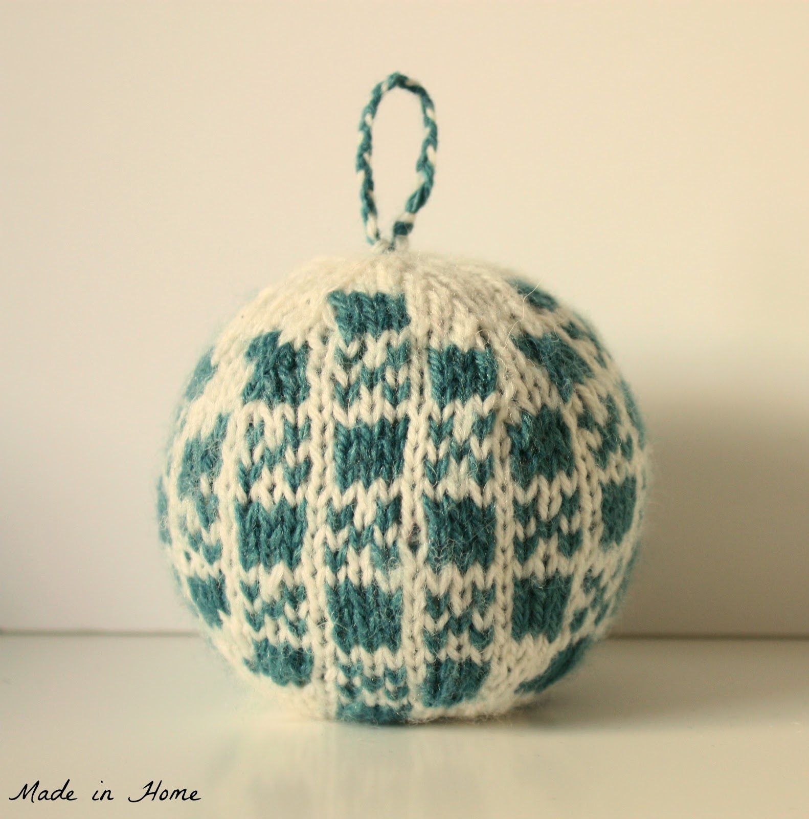 Knitting Pattern Christmas Baubles : Made in Home: Making baubles {Patterns Review}