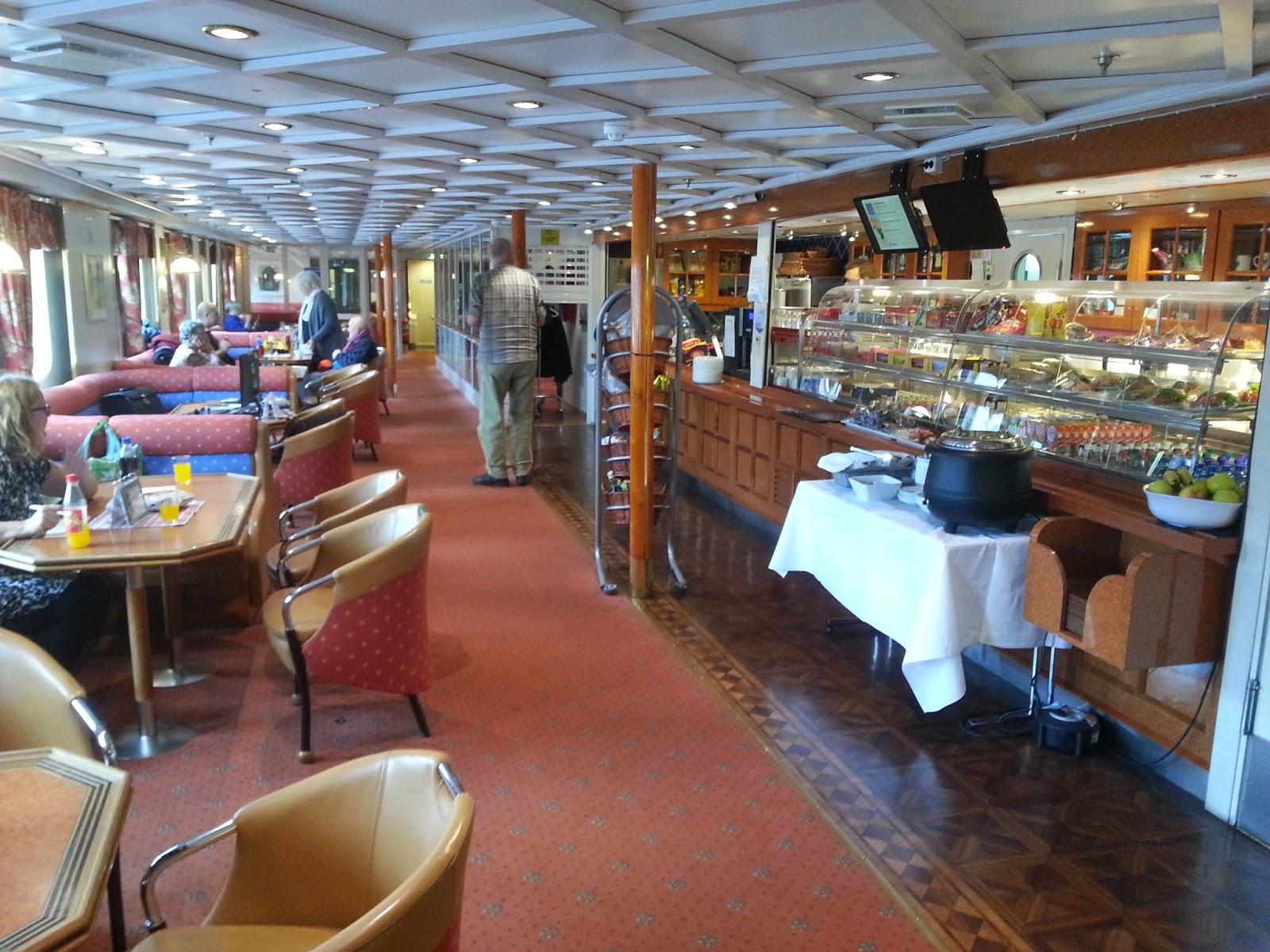 Hurtigruten MS Vesterålen - Cafe
