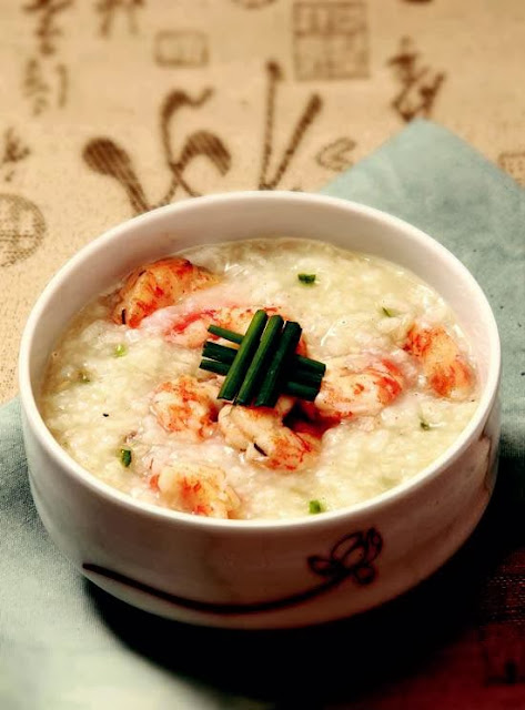 Shrimps and Korean leek porridge
