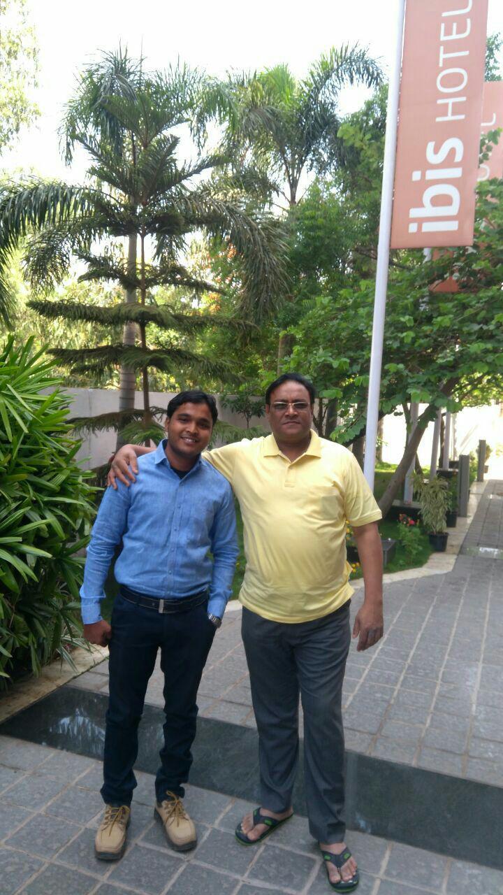 मार्गदर्शक डॉ.संजय कुंडेटकर सर ,उपजिल्हाधिकारी