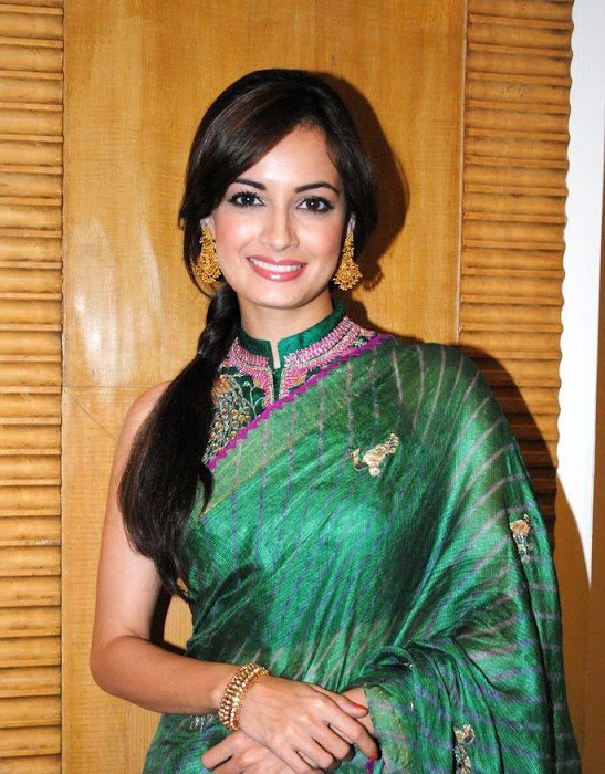 dia mirza in green saree hd hot images