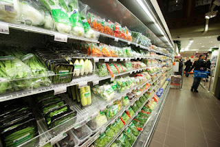 Albert Heijn supermarket on the Prins Hendrikkade