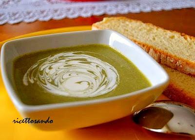 Vellutata di spinaci ricetta base di minestra di verdura