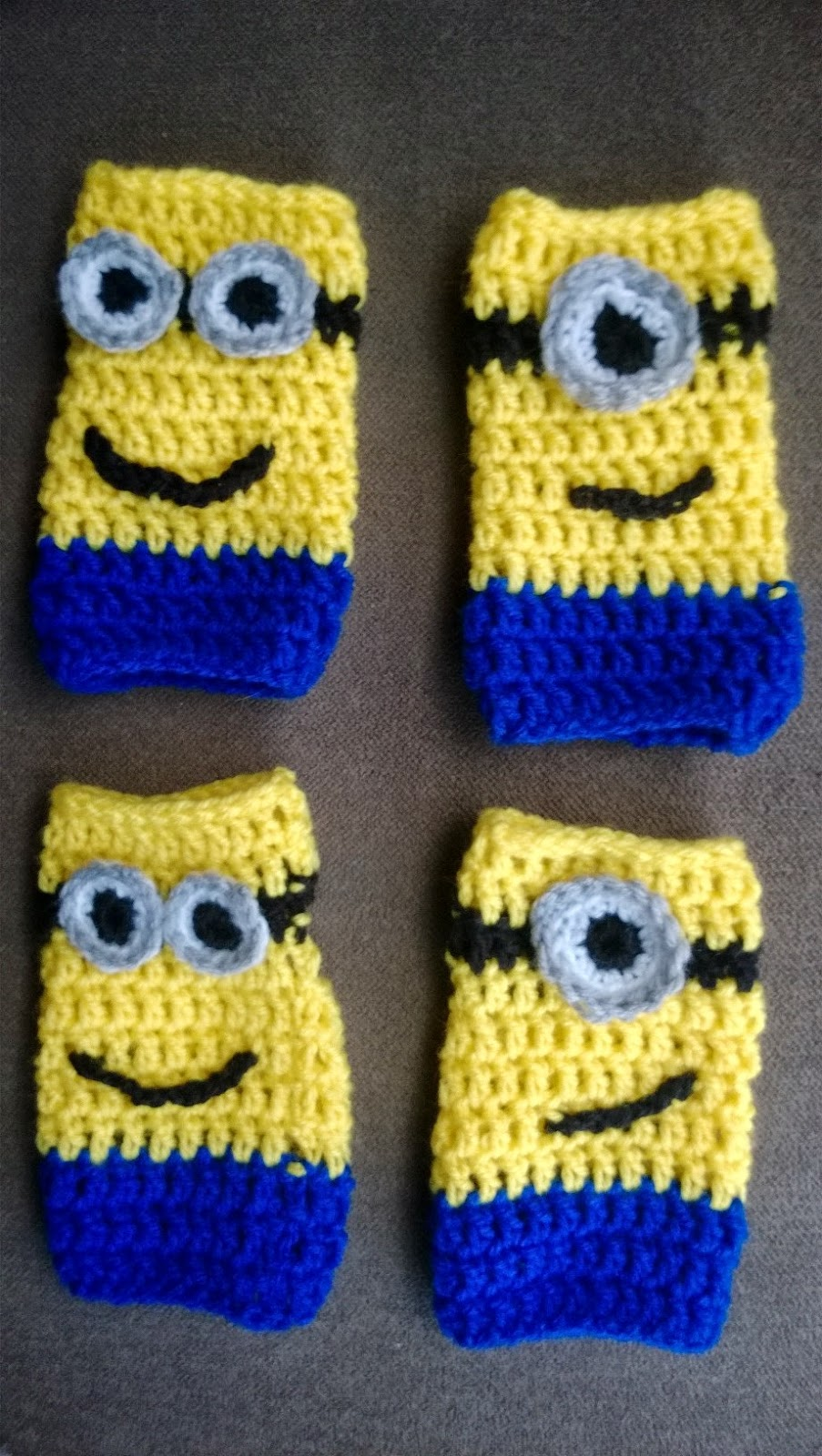 Old Lady Habits: Minion mittens!!