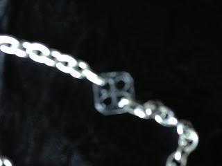 Halsband, smycken, knappar