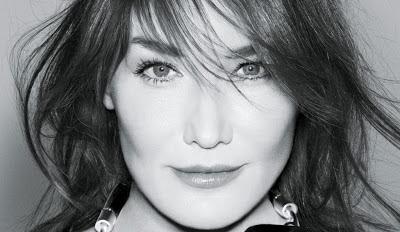 Carla Bruni fera son retour sur scène au Casino de Paris