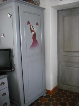 Armoire relook e cours peinture d corative meubles peints patin s - Meubles peints patines ...