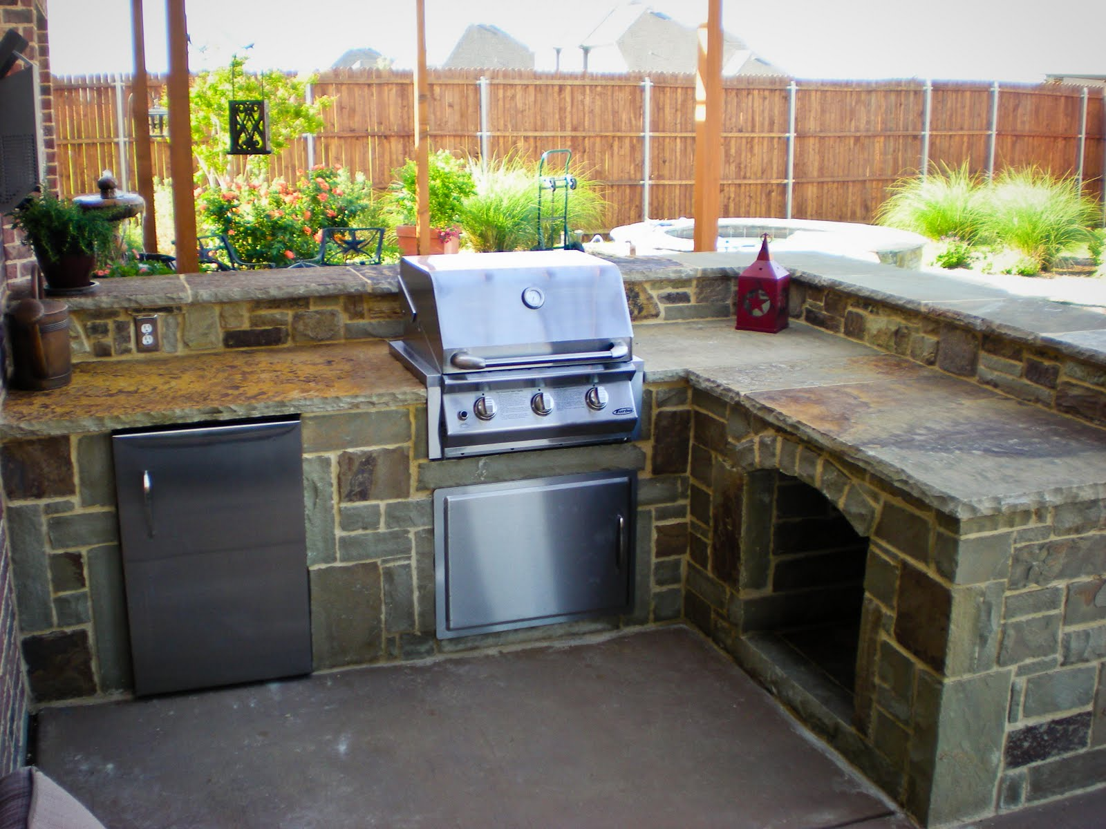 Texas lawn and stone outdoor kitchen forney tx for Outdoor kitchen ideas plans