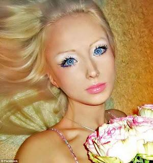 Hot-Living-Barbie-Valeria-Lukyanova