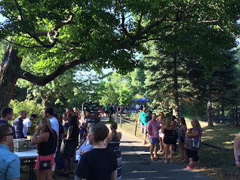 Crowds Enjoy Brew at the Zoo
