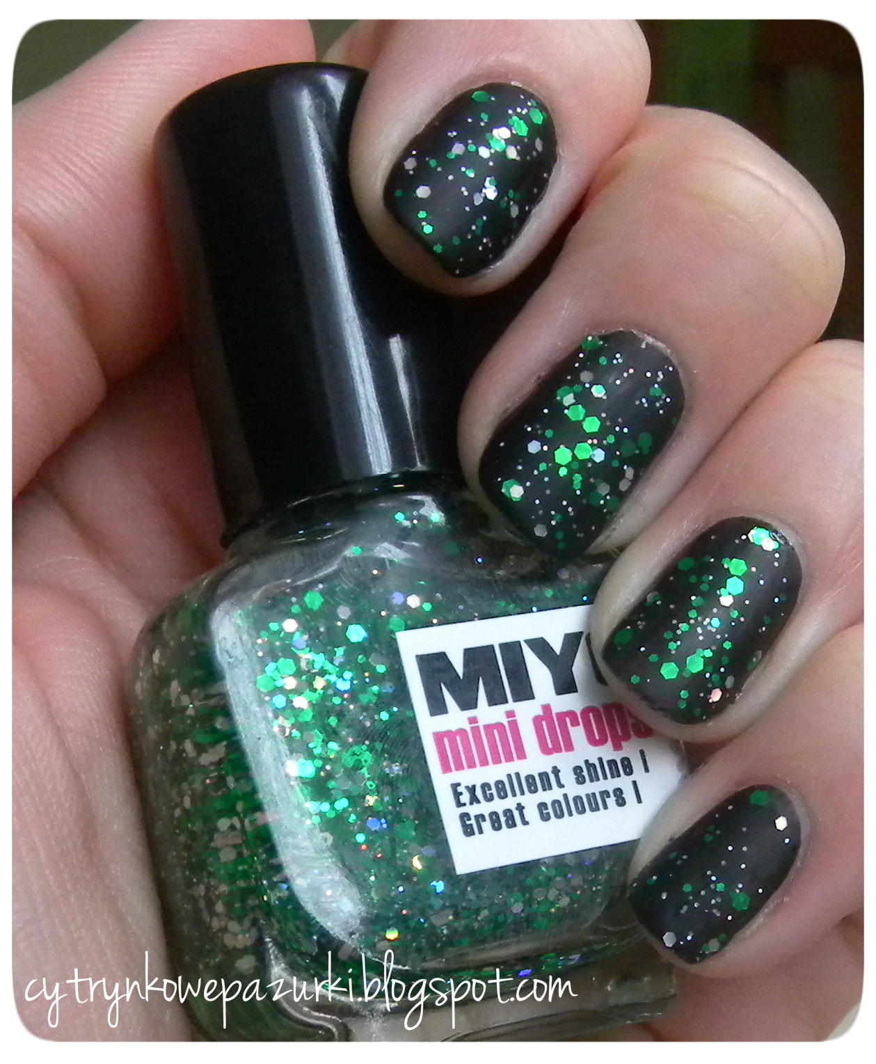 Miyo Mini Drops 153 green fireworks