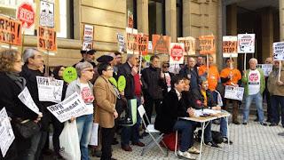 """""""¿Quién sale a protestar contra un desahucio si te pueden multar con 30.000 euros?"""""""