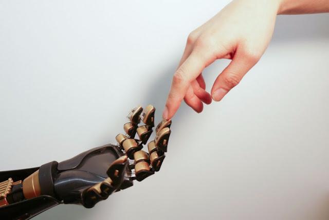 Cientistas desenvolvem pele artificial que pode sentir