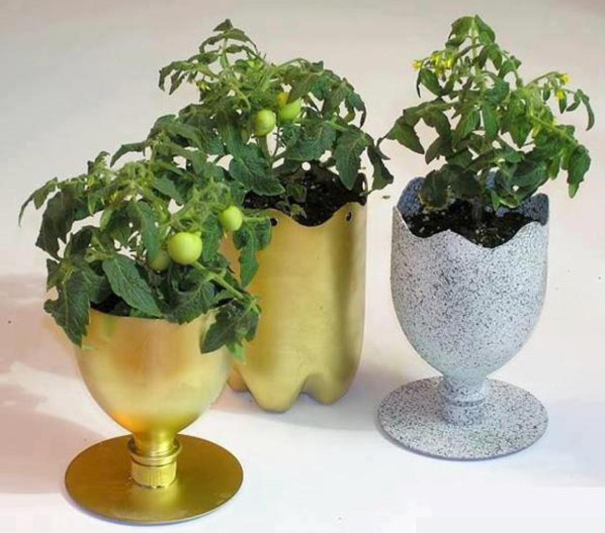 ... membuat kerajinan tangan pot bunga hias unik dari botol plastik bekas