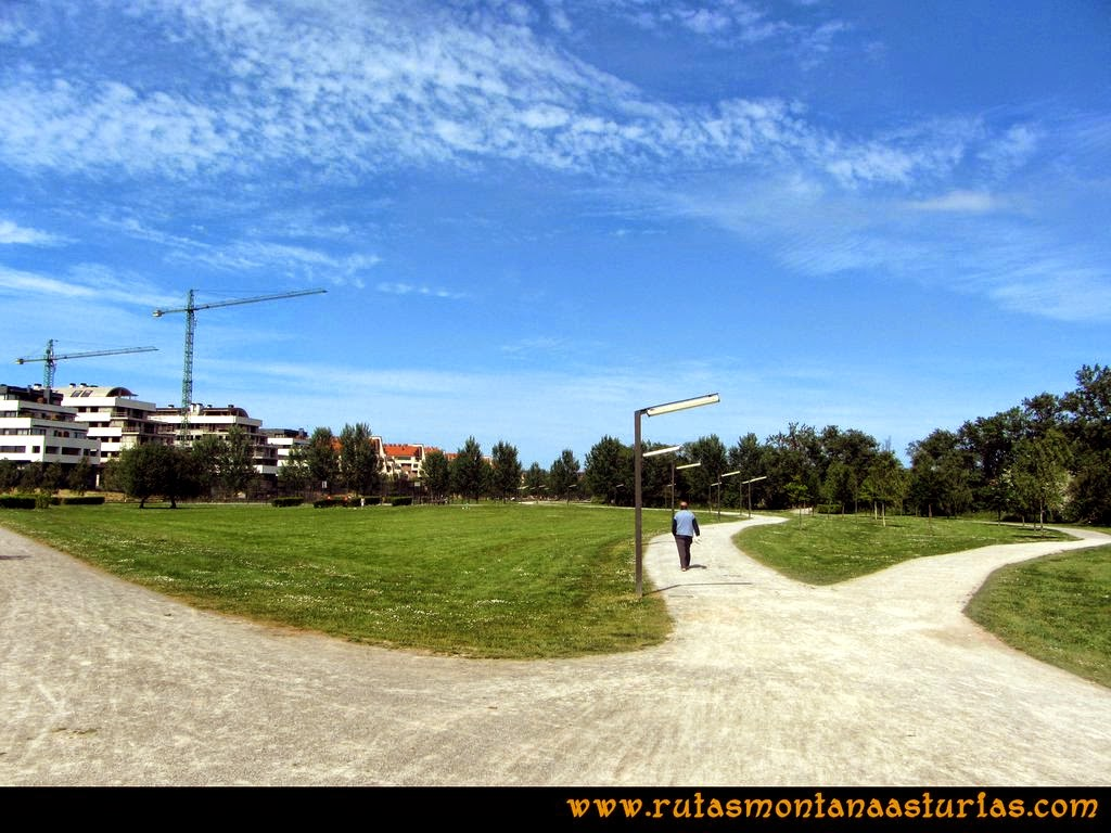 Senda Verde Camocha - Pico Sol - Piles: Parque Fluvial de la Coria