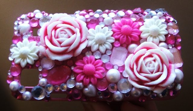 Bling DIY Craft: personalize and customize your cell phone case in 5 easy steps