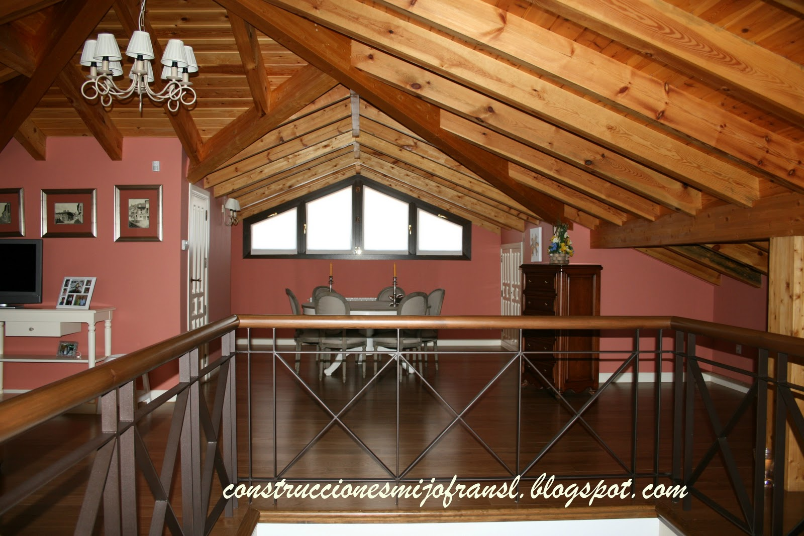 Construcciones mijofran s l casa de piedra - Casas con buhardilla ...