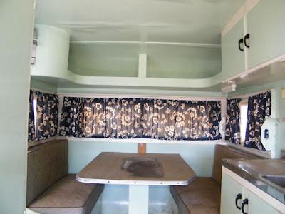 chalk talk caravan interior decorating at last. Black Bedroom Furniture Sets. Home Design Ideas