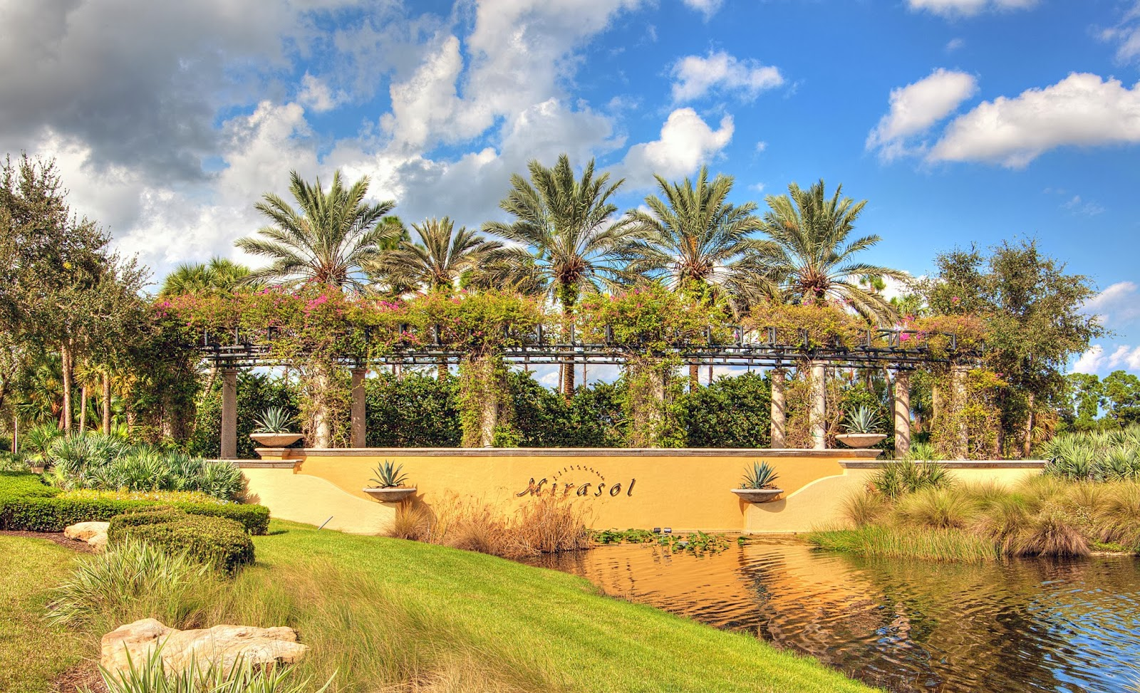 Nice ... These Gives You Easy Access To The Airport, Downtown At The Gardens,  The Palm Beach Gardens Mall, The Kravis Center, City Place, And Clematis  Street.