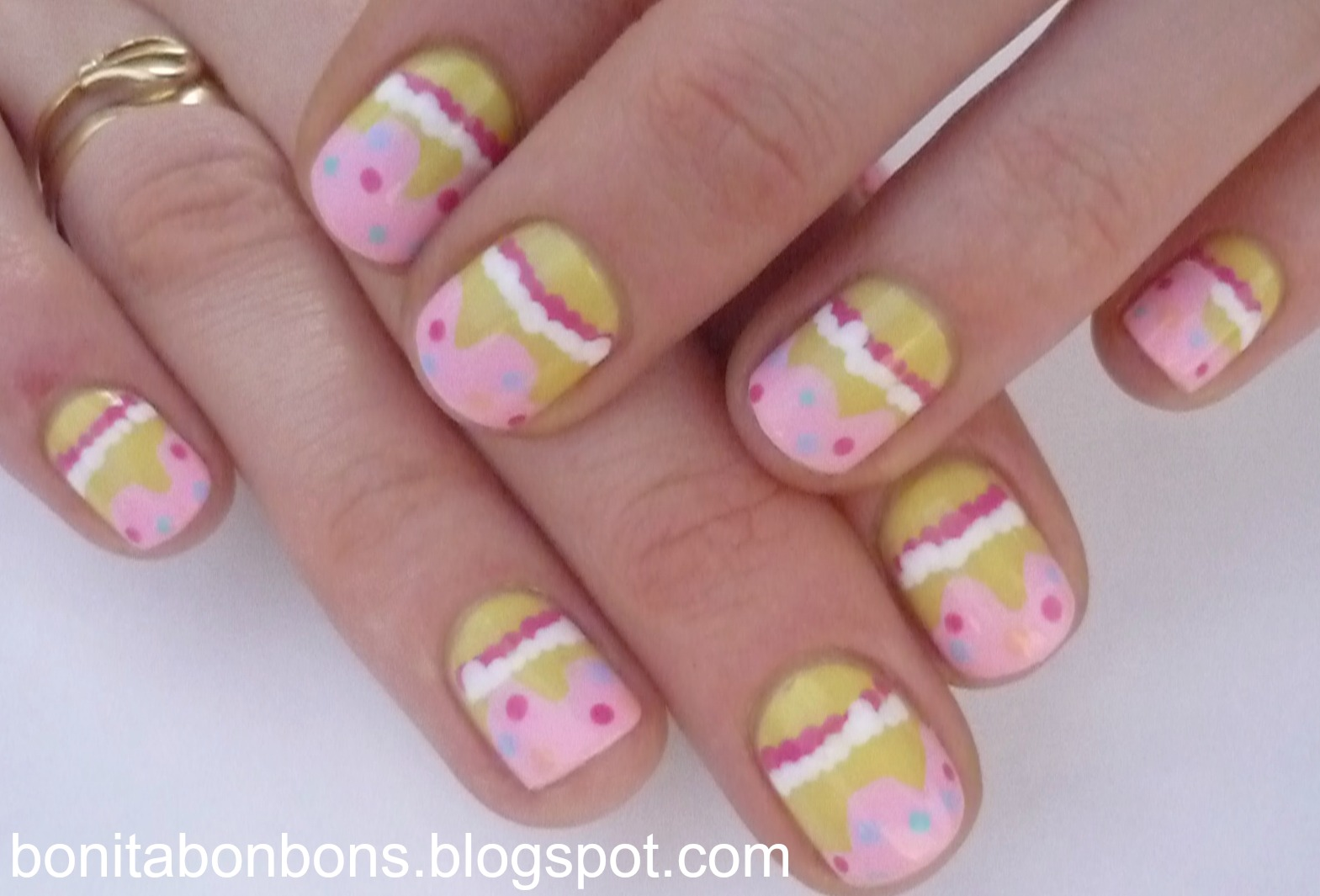 Cake Decorating Nails : Bonita bon bons: September 2012