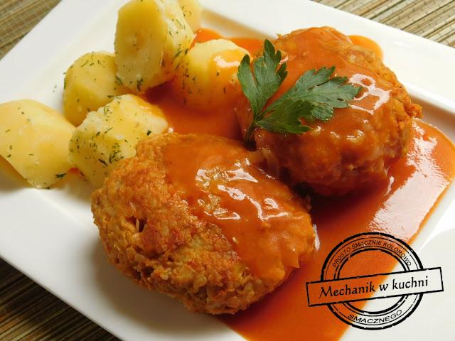 gołąbkiw sosie pomidorowym z ziemniaczkami w koperku pyszny i szybki obiad