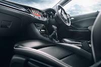 Vauxhall Astra (2016) Interior