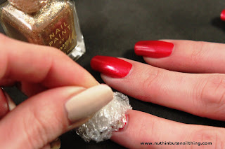 cling film saran wrap nail tutorial