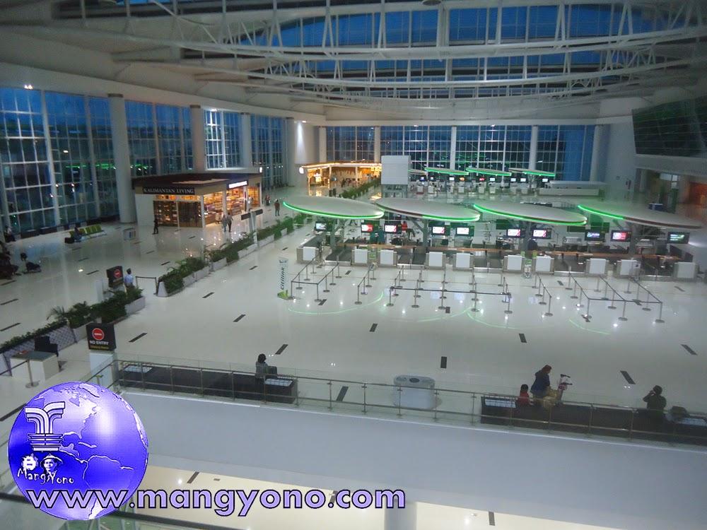 Check in counter Citilink Bandara Sepinggan, Balikpapan. Jepretan dari lantai 3 pada Tgl. 8/12/2014