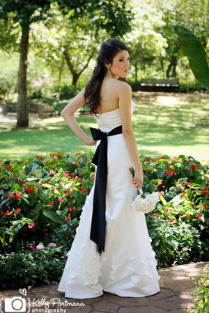 San Antonio Wedding Photographer, San Antonio Bridal Portraits, Grapevine Botanical Gardens