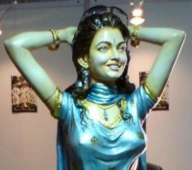 Aishwarya Rai Statue Photos