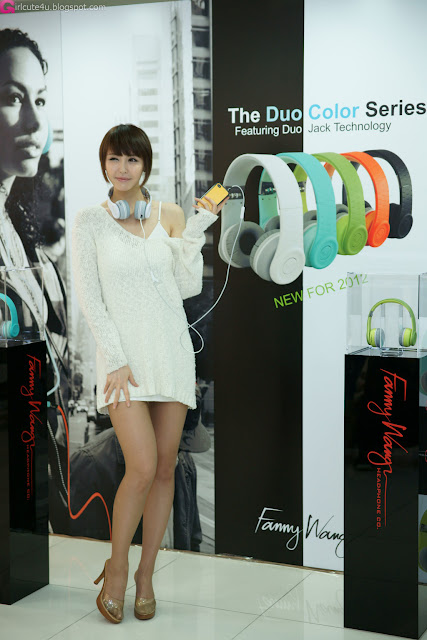 1 Kang Yui for Fanny Wang Headphone-very cute asian girl-girlcute4u.blogspot.com
