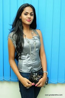 Karthika in jeans Photo Album