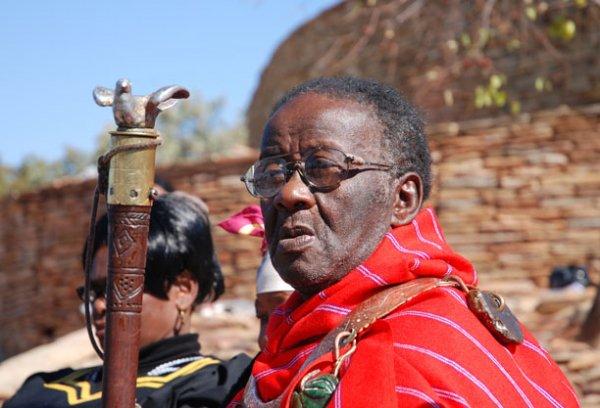 Credo Mutwa : rare interview d'un grand chaman Sud-africain