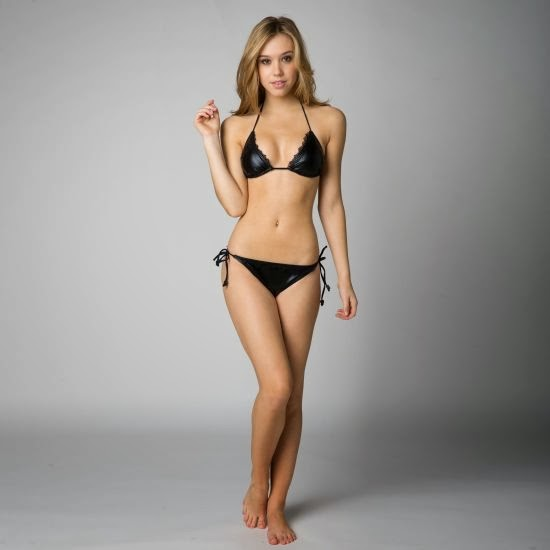 linda modelo Alexis Ren ensaio fotografia biquini