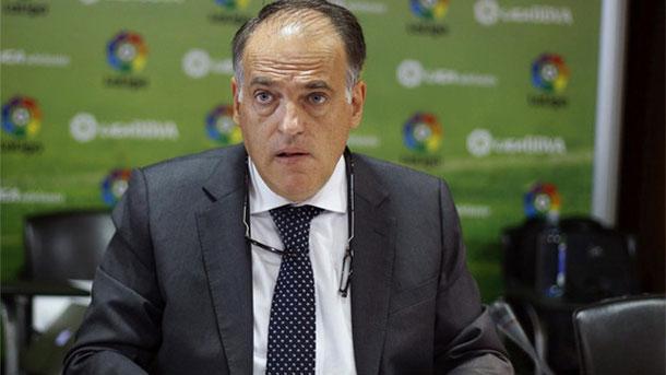 Tebas confía en que el Real Madrid remonte la Liga al Barça