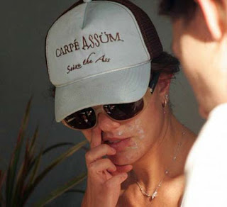 nose picker britney spears