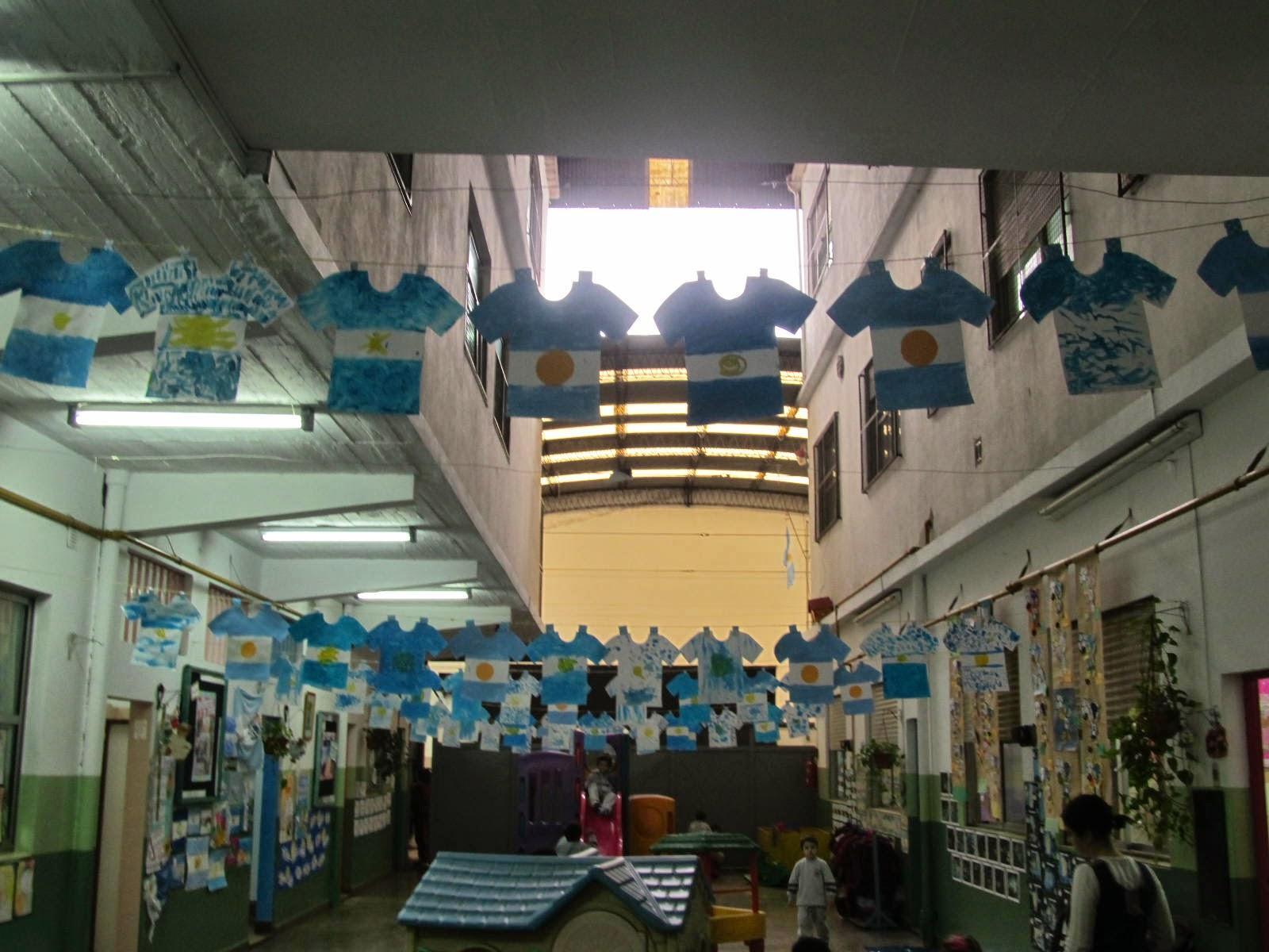 El jardin del almafuerte trabajamos el d a de la bandera for Decoracion 9 de julio primaria