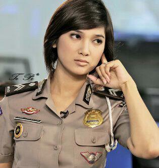 Polisi Wanita Cantik Indonesia Yang Menghiasi Jalanan Ibukota (Tolong ...