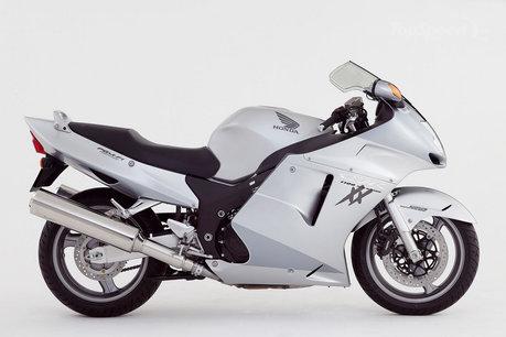 Gambar Sepeda Motor Honda CBR 1100xx Blackbird 14