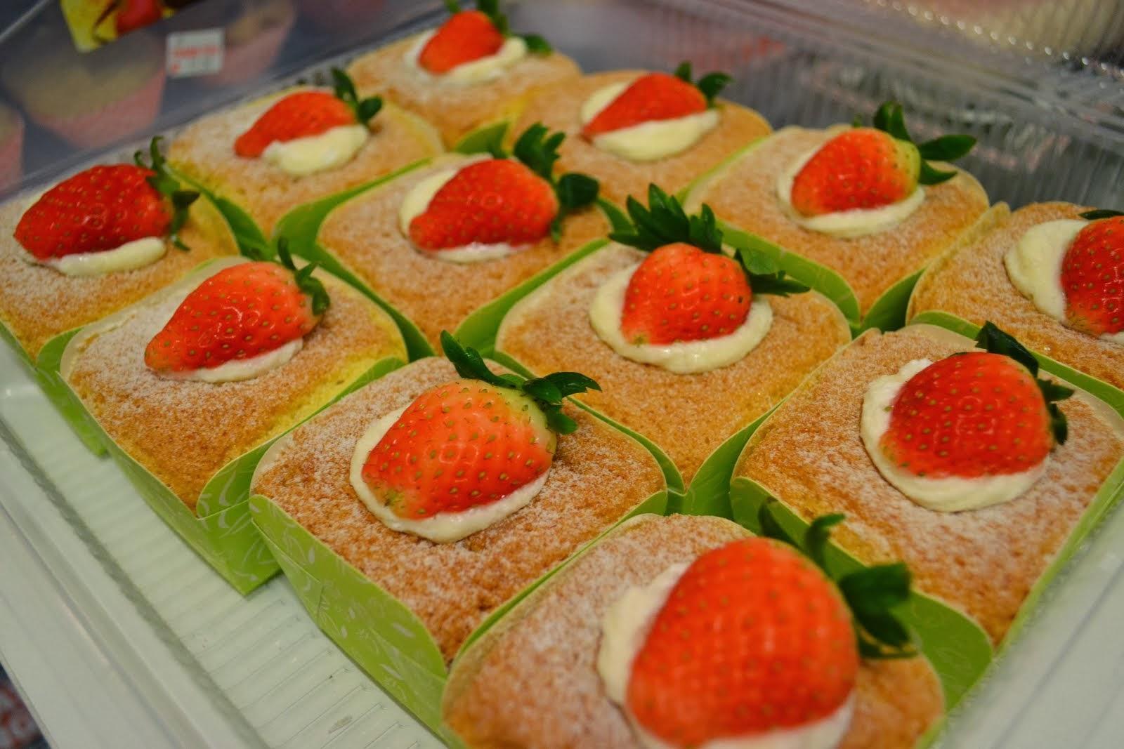 Hokkaido Cupcakes with Cream custard filling