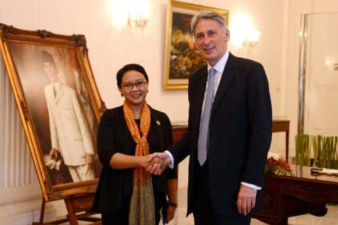 Pertemuan Menlu Indonesia dan Inggeris dalam rangka Kerjasama Perdagangan Indonesia-Inggris