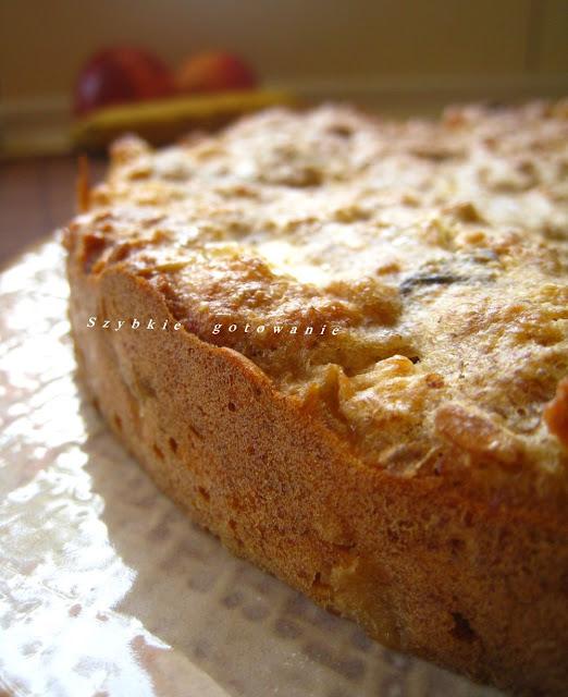 Razowe ciasto z musli i jabłkami
