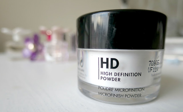 Holiday Beauty Makeup Favourites MUFE HD Make Up For Ever High Definition Transluscent Powder Miniature Sephora