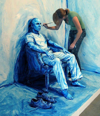 Painting Blue Man face