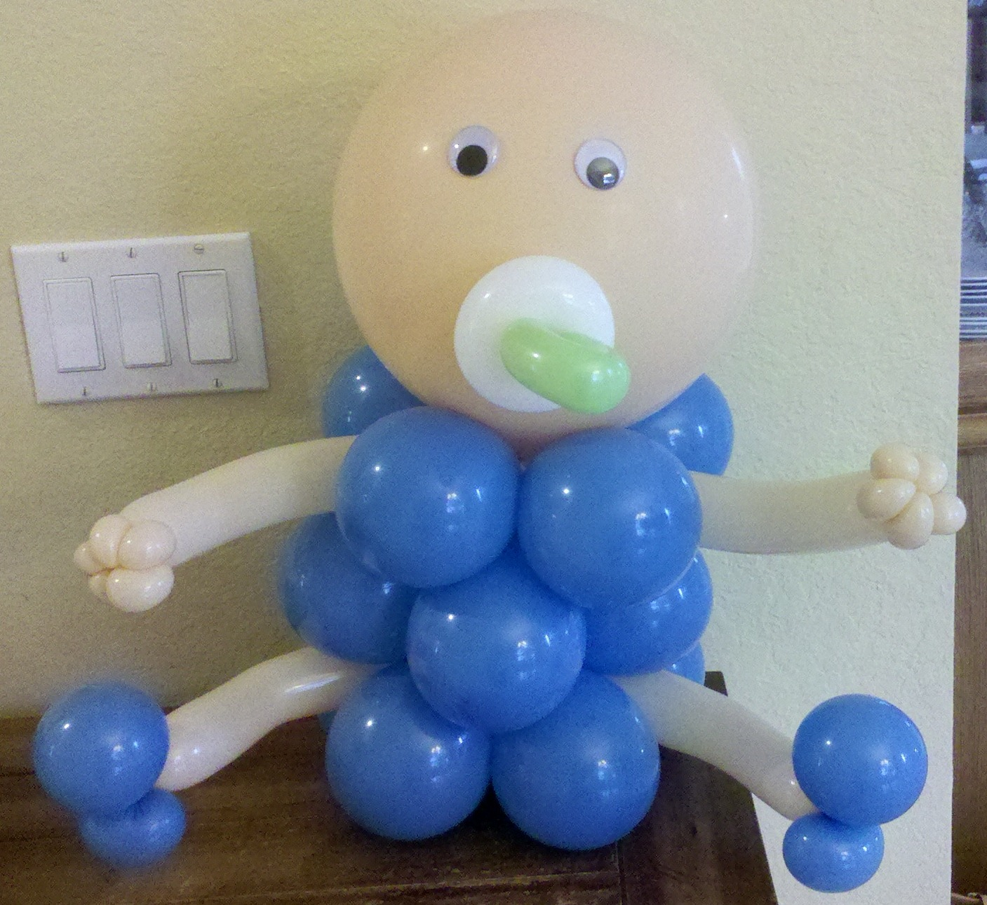 Party people event decorating company february 2012 for Balloon decoration for baby shower