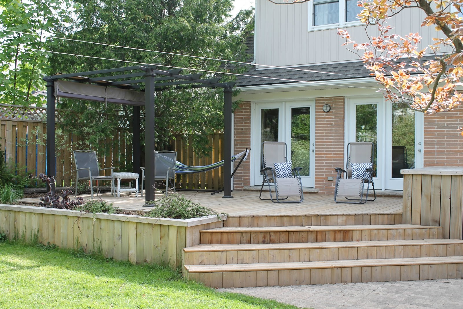 We built a deck free online deck design software frugal family we have been planning on building this deck for many years now when we renovated in 2007 we put in two patio doors that for all their lives baanklon Gallery