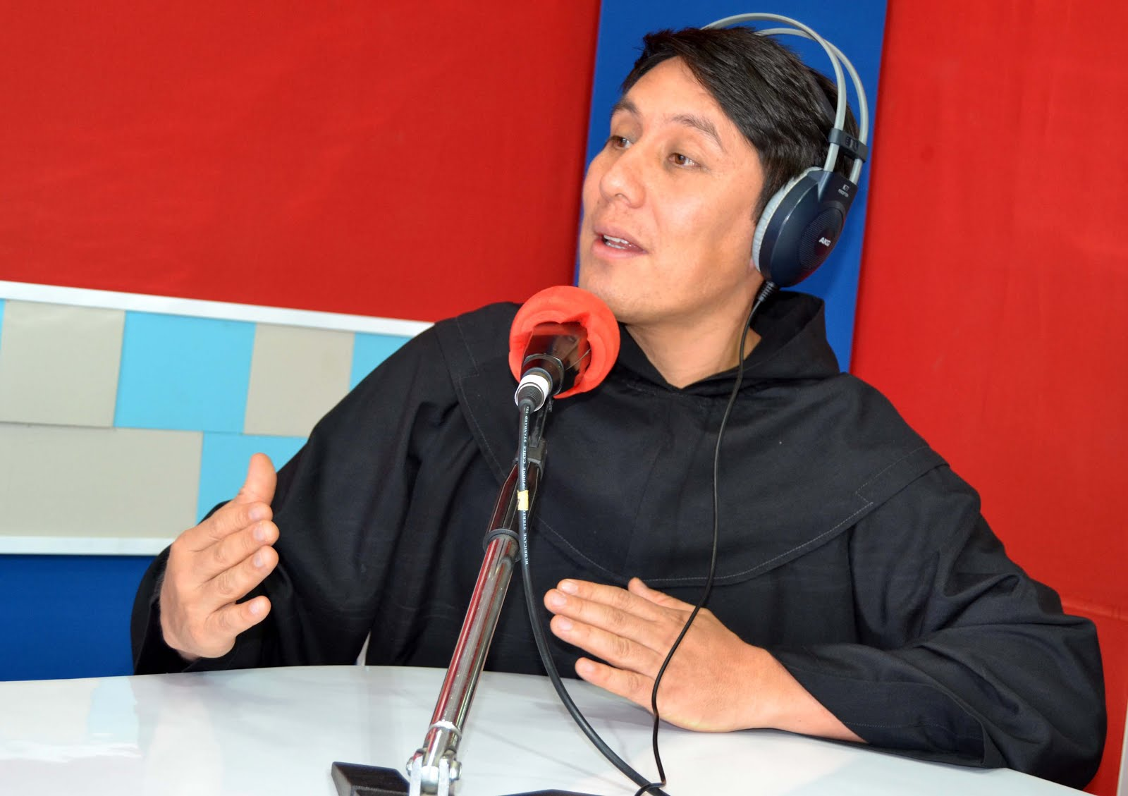 Director de Santa Mónica Radio